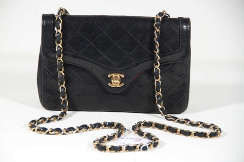 CHANEL vintage authentic Madmoiselle Flap Purse Shoulder bag