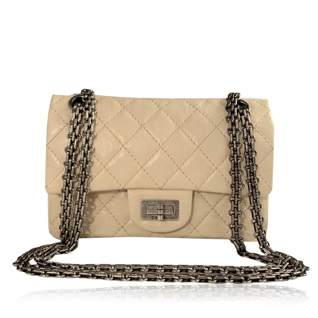 Chanel Ivory Quilted Leather 2.55 Reissue Flap Shoulder Bag 224