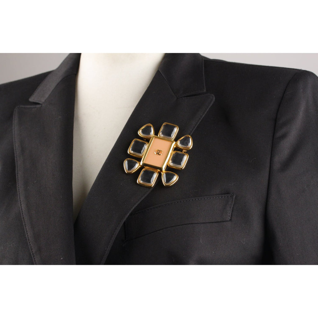 Chanel Vintage 1996 Gold Metal Brooch