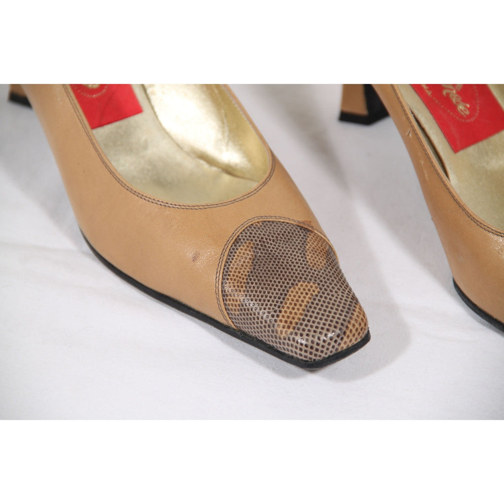 ALBANESE VINTAGE Beige Leather PUMPS Heels CLOSED TOE Shoes size 8 US