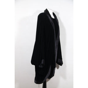 Andrea Odicini Couture Italian Vintage Black Velvet Cape W/ Dolman Sleeves Opherty & Ciocci