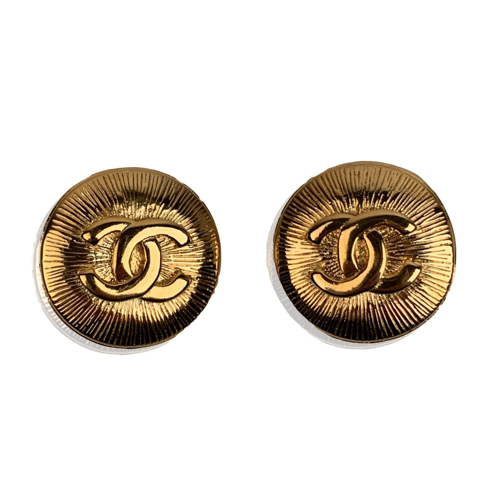 Chanel Vintage Gold Metal Round CC Logo Clip On Earrings