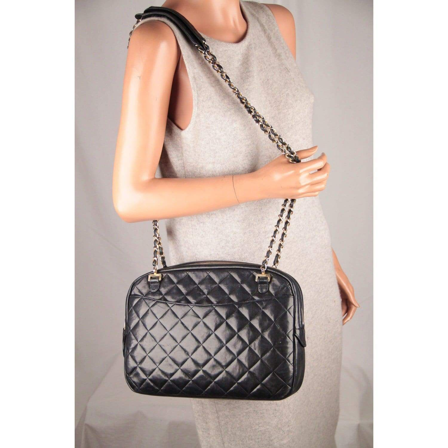 8865b4c8a6b73b Opherty & Ciocci - Chanel Vintage Black Quilted Leather Large Camera ...