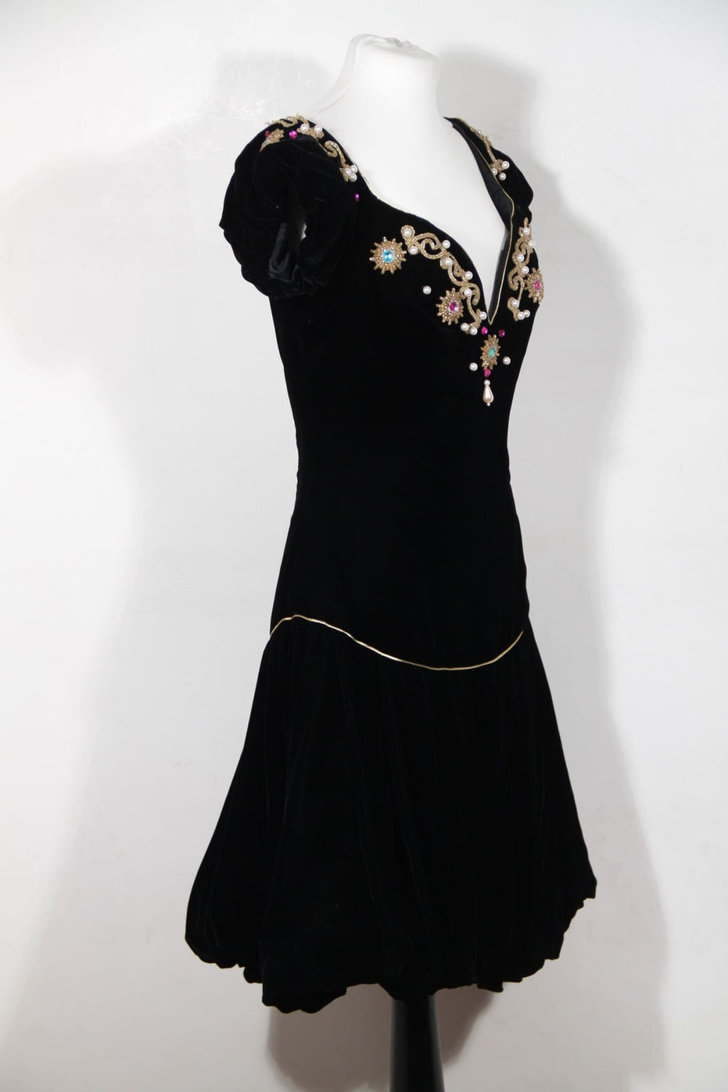 David Fielden London Vintage Black Velvet Cocktail Dress W/ Embroidery Sz S Opherty & Ciocci