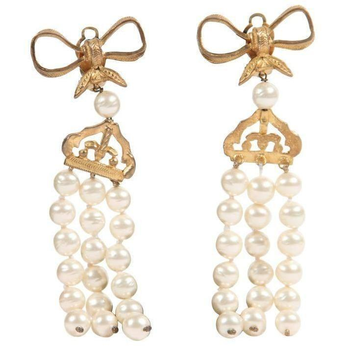 Vintage Pearls Bow Earrings