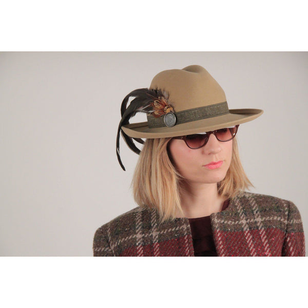 Hermes Paris Exclusif Vintage Beige Wool Feather Mint Fedora Hat Opherty & Ciocci