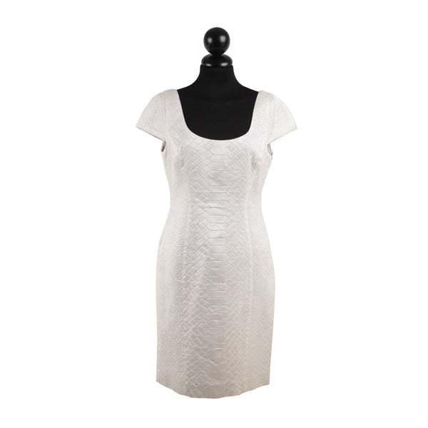 VERSACE White Embossed Cotton And Silk SHEATH DRESS Cap Sleeves SIZE 42