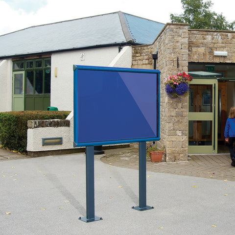 Shield Exterior Showcase with Surface Posts Coloured Frame