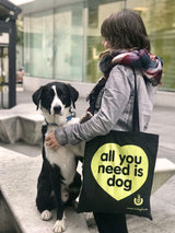 "Pack de 12 Bolsas Totes Solidarias ""ALL YOU NEED IS DOG"""