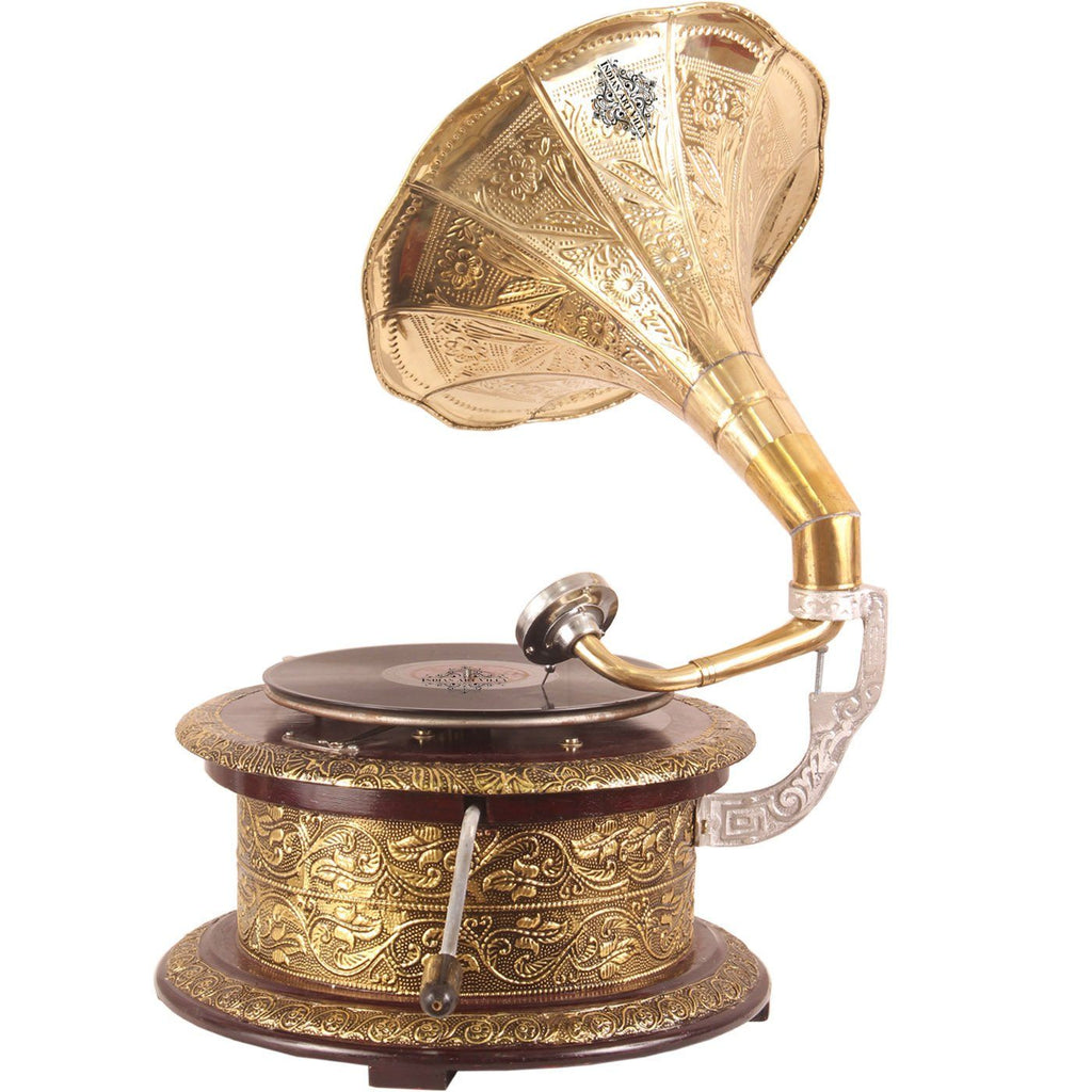 Engraved Leaf Design Round Gramophone