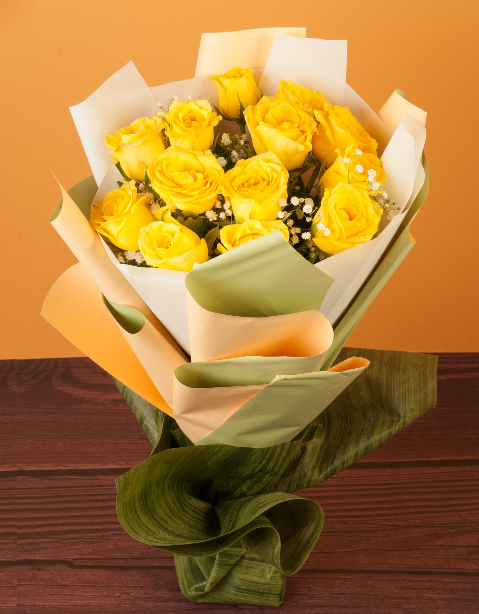 12 Yellow Roses Hand Tied Bouquet in Pune Mumbai