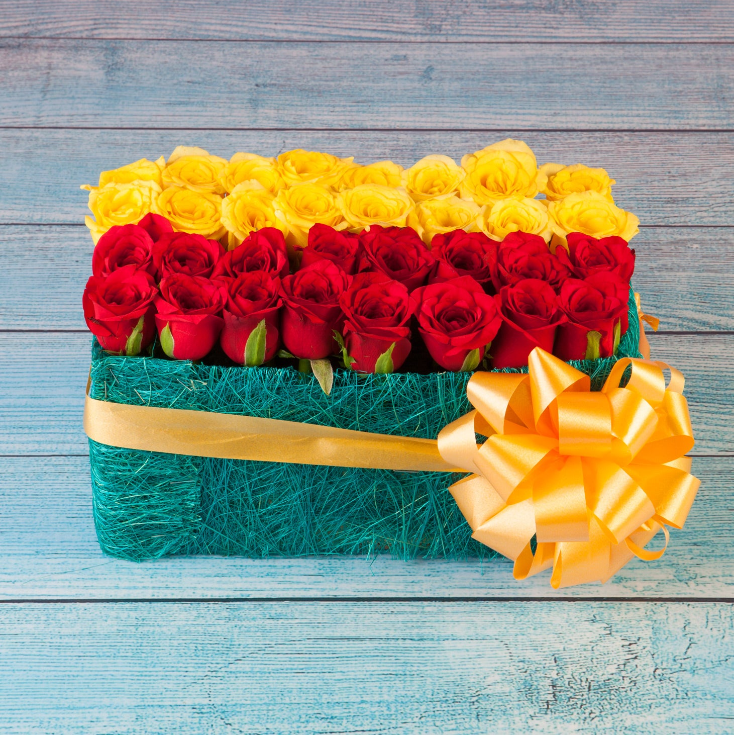 Bed Of Roses Online Flowers Delivery in Pune & Mumbai
