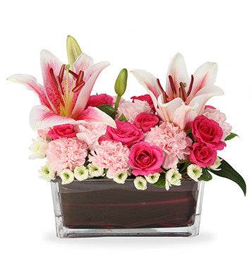 flowers delivery in glass vase in Pune