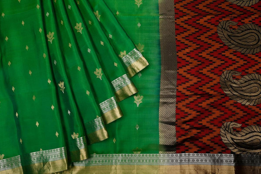 Handloom bottle green Silk Saree with traditional zari border