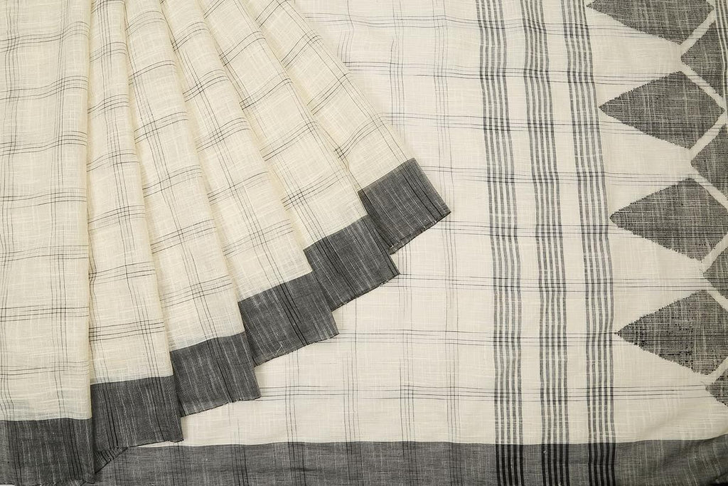 bengal cotton handwoven white and black big check Saree