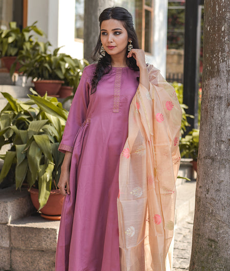 Handloom Pink Relaxed Cotton Satin Kurta Pant Set With Dupatta