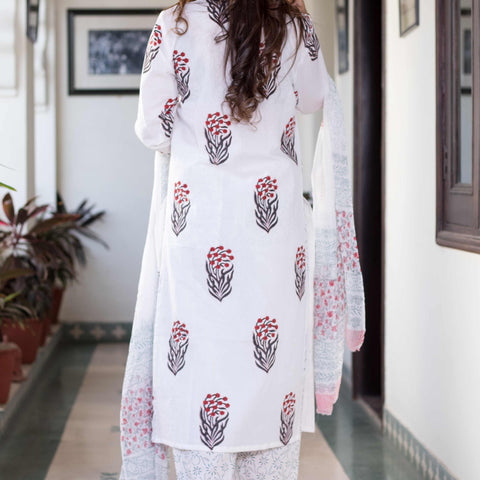 block print white red Cotton Kurta & Pants With Chiffon Dupatta