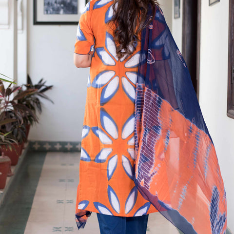 shibori orange blue Cotton Kurta & Pants With Chiffon Dupatta