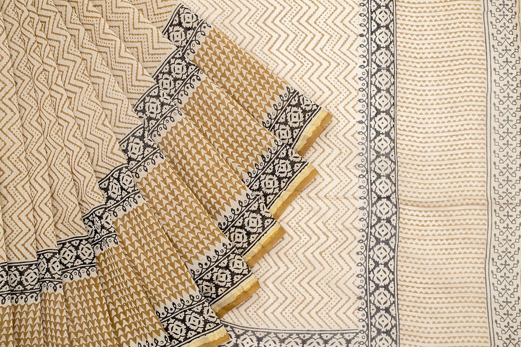 Chanderi Silk Cotton Cream Saree With Zig Zag