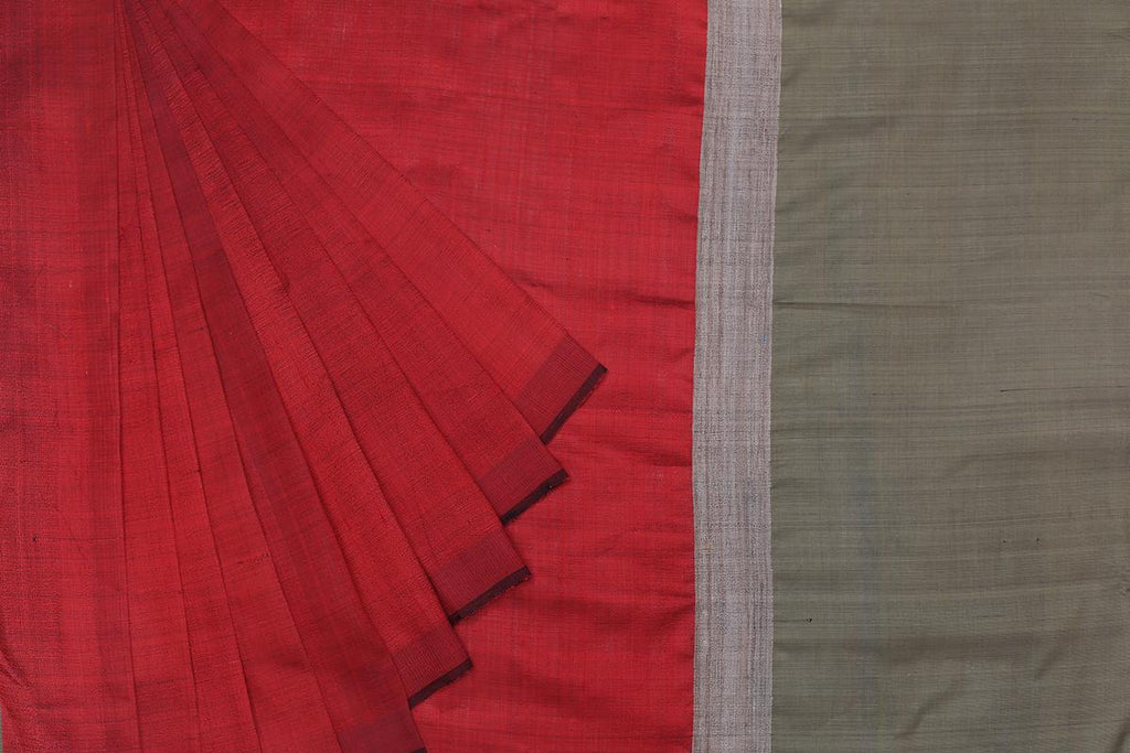 Bhagalpur Tussar Silk Red Saree With Plain Pattern
