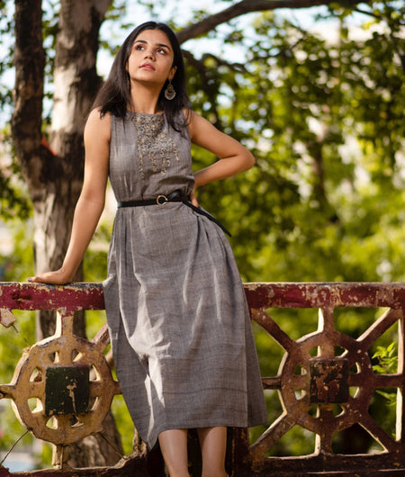 Handwoven Grey Mangalagiri Cotton Applique Work Dress