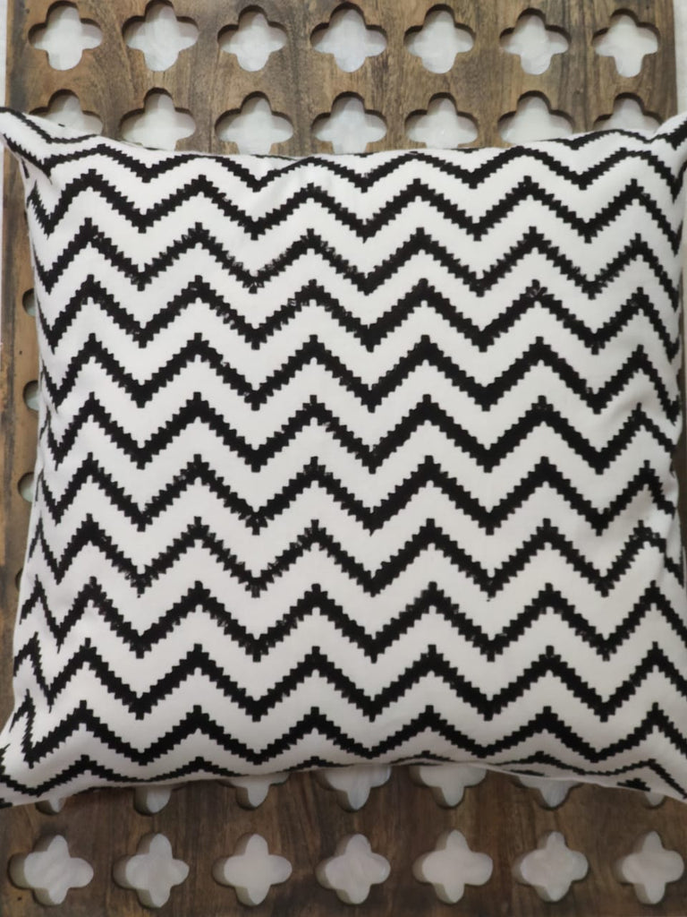 Hand Block Black Cotton Cushion Cover ( Set of 4 )