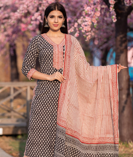 Hand Block Black Cotton Gadh Printed Kurta Set With Chiffon Dupatta