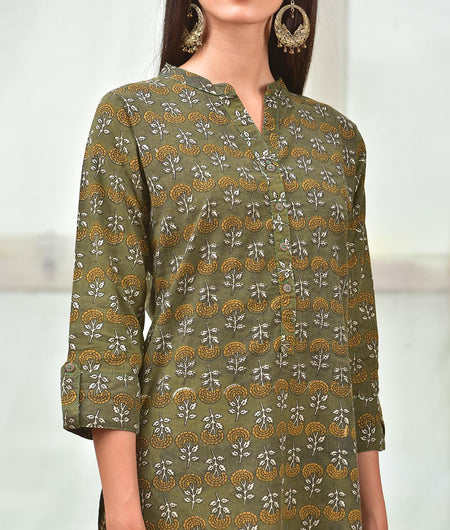 Green And Beige Cotton Kurta With Hand Block Work