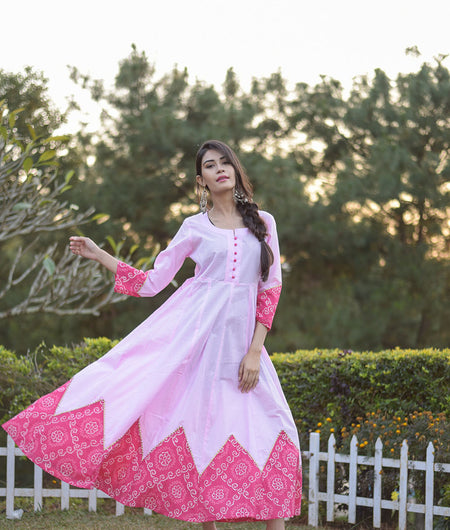 Pink Kurta With Bandhani Patch Detailing