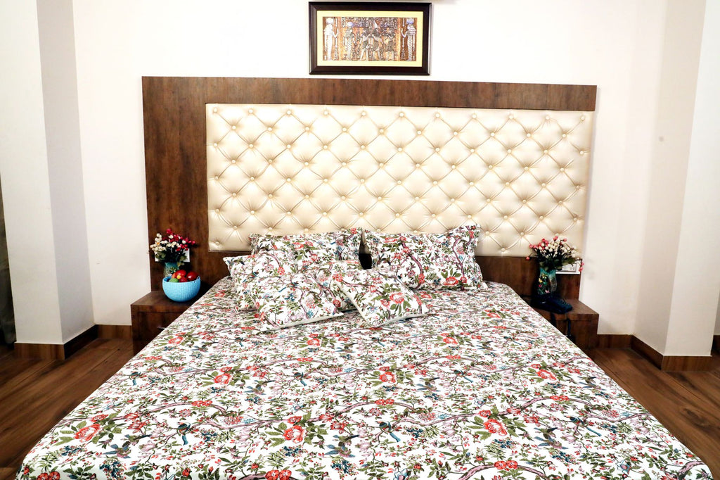 Hand Block Multicolor Bed Cover with Pillow Cases