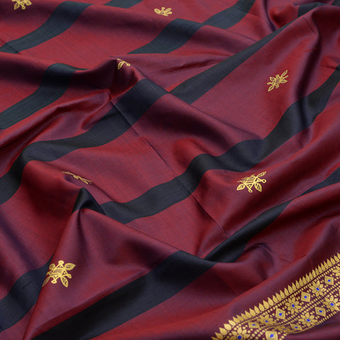 Baluchari Weave Pure Silk Dupatta in maroon with floral motif