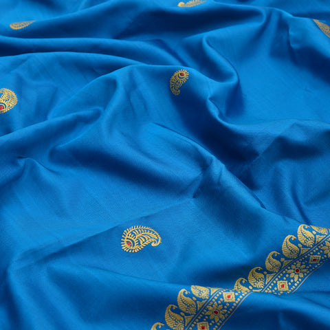 Baluchari Weave Pure Silk Dupatta in blue with floral motif