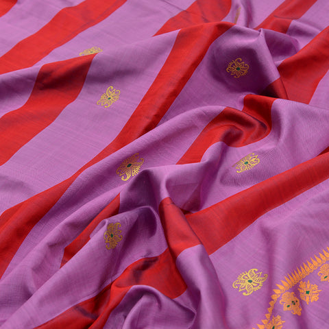 Baluchari Weave Pure Silk Dupatta in lavender with floral motif