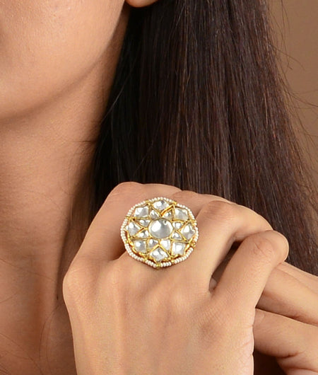 Small Flower White Ring