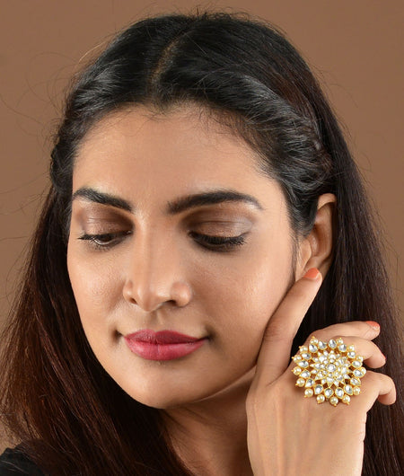 Jadtar And Pearl Flower Ring