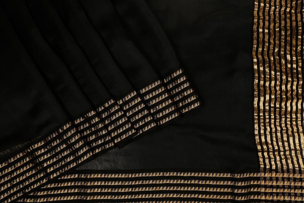 Handwoven Maheshwari Silk Saree In Black With Azrak Blouse
