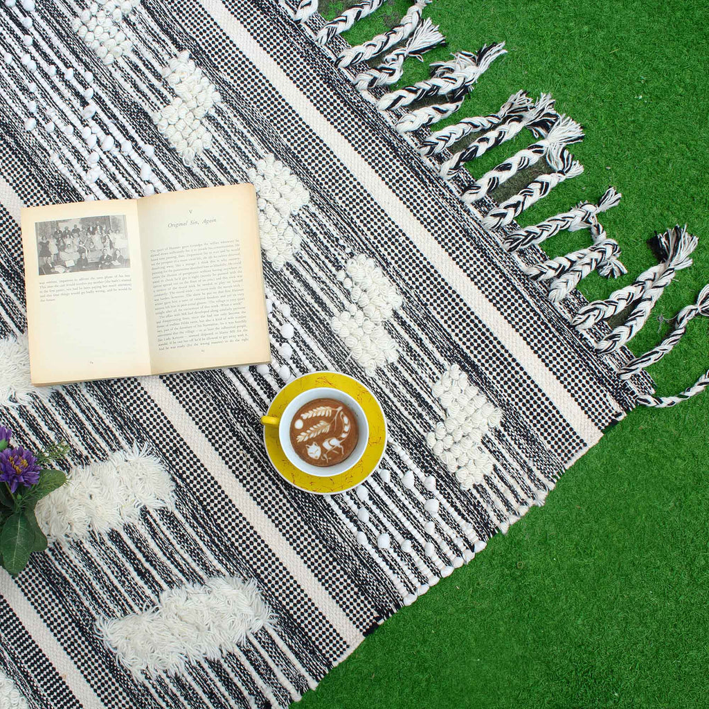 Grey and Off white Hand Weave Rug 182.88cm x 121.92cm