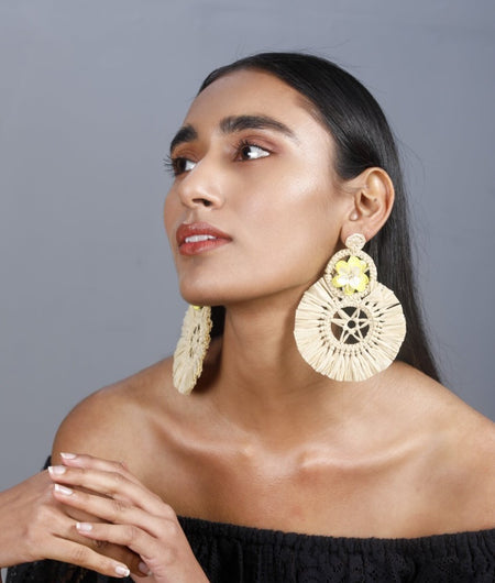 Beige Raffia earrings with a Yellow Floral Stud