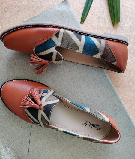Solid Triangle Tile Brogues With Tassel