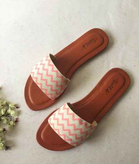 Zigzag Print Cream Sliders