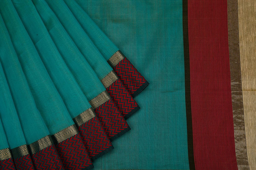 Silk Cotton Handloom Saree In Green With Zari Border