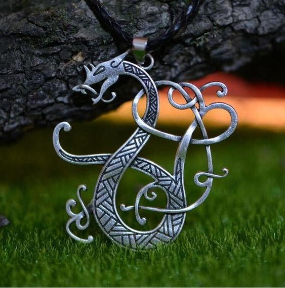 Top 20 Beautiful Dragon Necklace