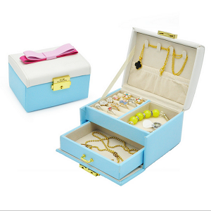 Exquisite Butterfly Leather Jewelry Box