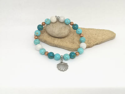 Turquoise Howlite Gemstone Bracelet with Shell Charm