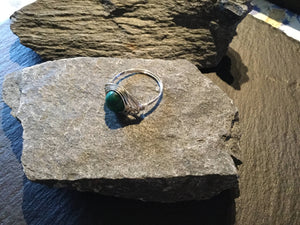 Malachite Natural Gemstone Hand Twisted Sterling Silver Ring Size 8