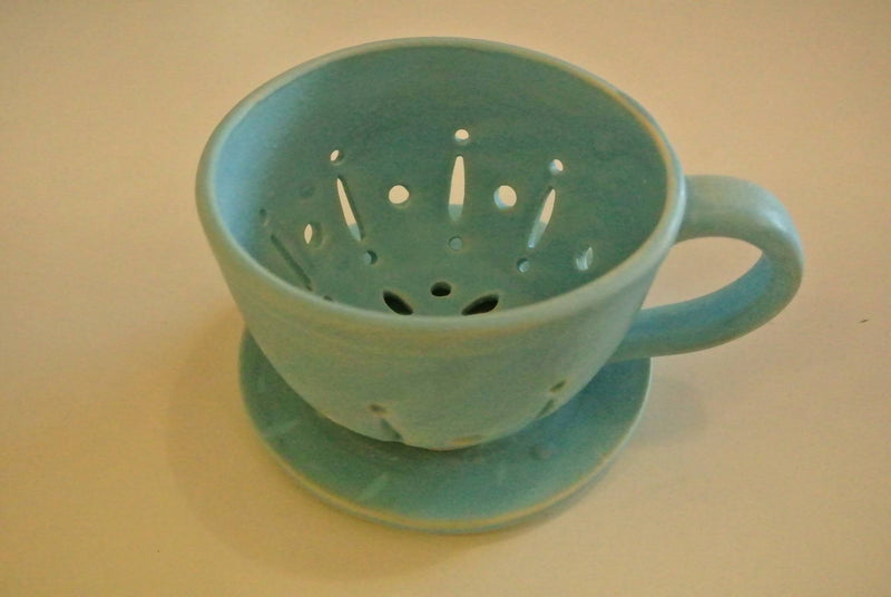 Blue pottery fruit cup