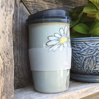 Pale Green with Daisies Clay Travel Mug