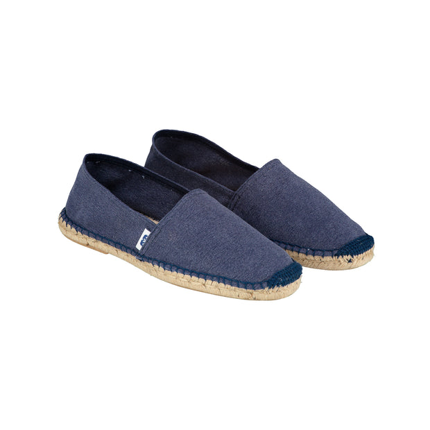 catto-alpargatas-navy-blue-shoe-angle