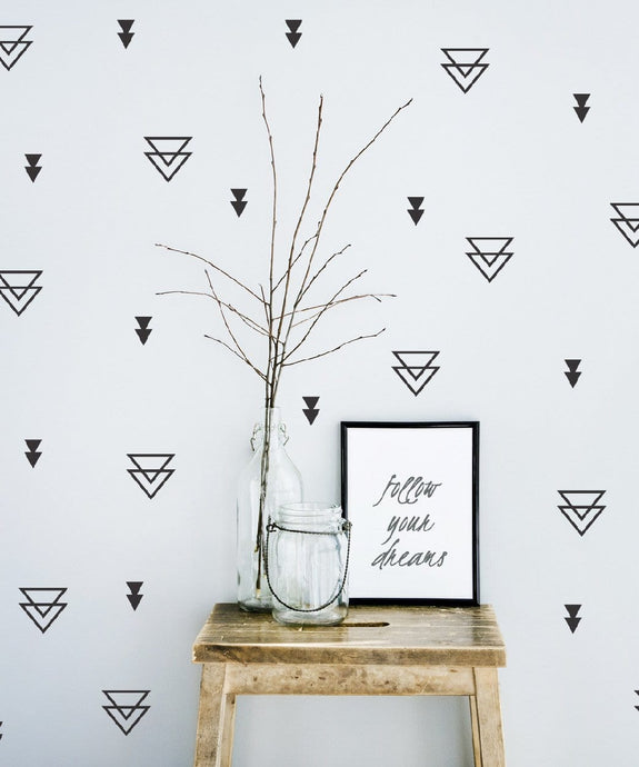 Geometric wall pattern