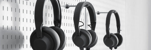 Top 8 Best Wireless Headphones under 100 Dollars